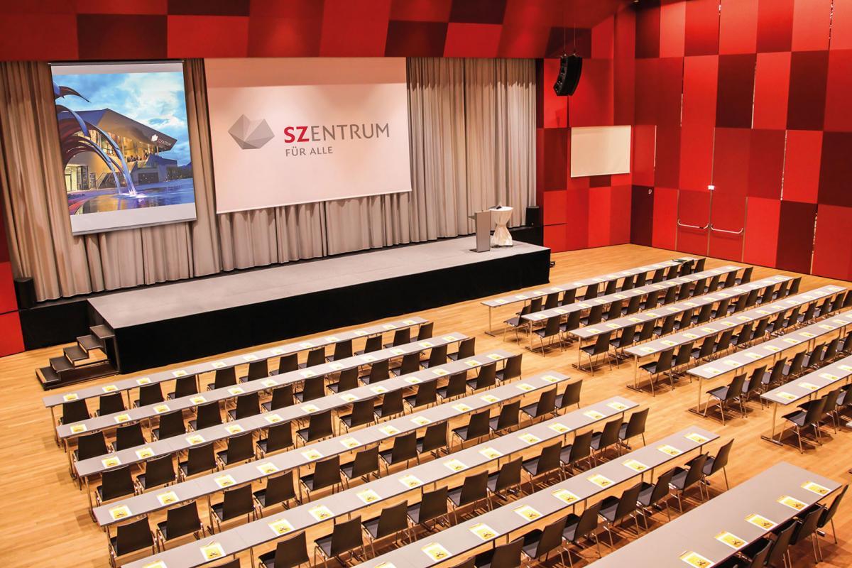 SzentrumSeminarraum-Silbersaal-mit-KonzertbestuhlungSeminareinTirol--SZentrum-Schwaz1