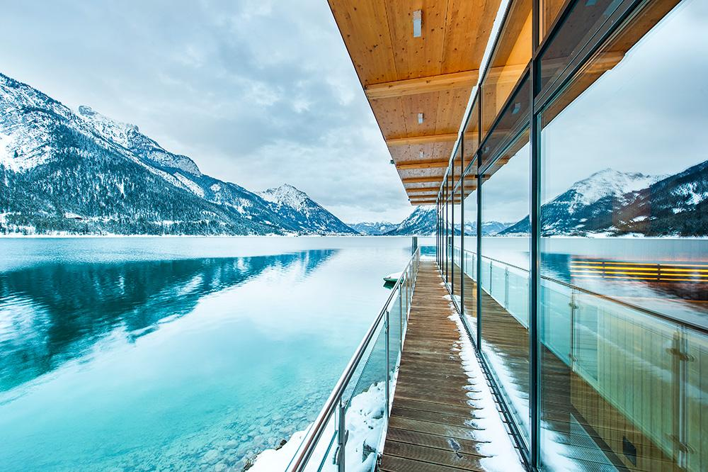 travel-charme-fuerstenhaus-ausblick-see-mit-spa-fassade-winter-2019SeminareinTirol
