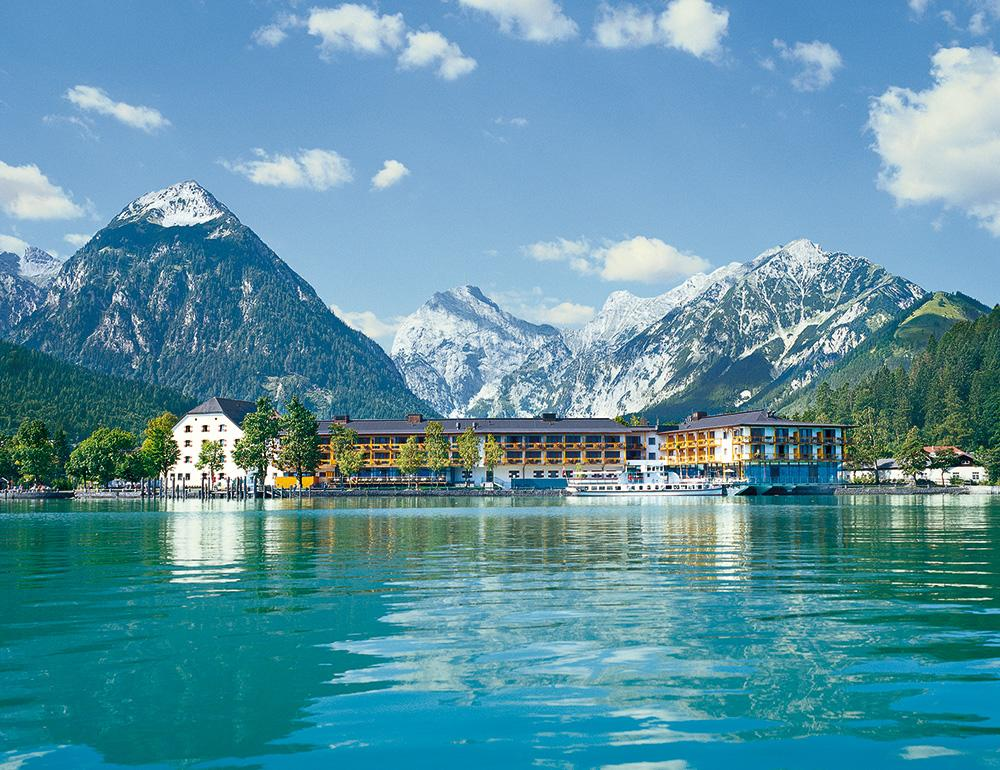 travel-charme-fuerstenhaus-aussenansicht-vom-see-sommerSeminareinTirol1