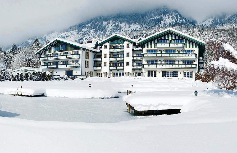 AlpenhotelSpeckbacherHofWinterPanoramaWeihnachtsfeierinTrol1