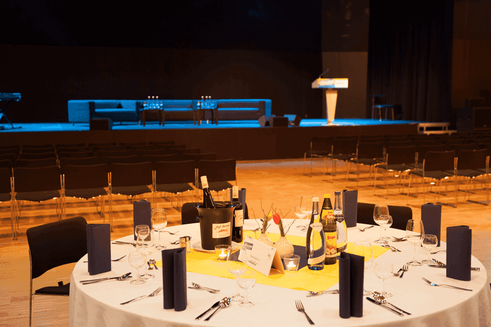 Messe-InnsbruckSaal-Forum1WeihnachtsfeierinTirol--Congress-Messe-Innsbruck