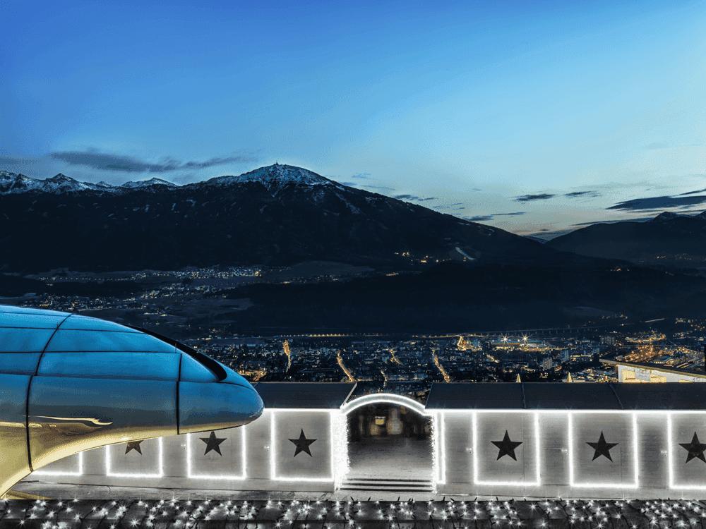 InnsbruckerNordkettenbahnenHungerburgbahnweihnachtlichWeihnachtsfeierinTirol