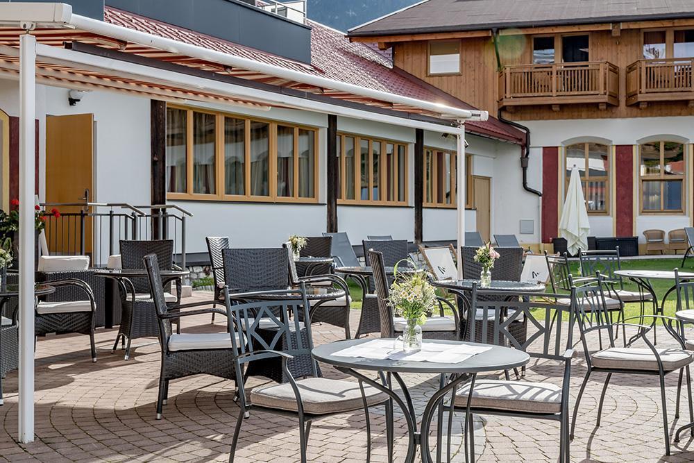 Hotel-zum-Gourmet-Terrasse-8HotelzumGourmetSeefeldSeminareinTirol