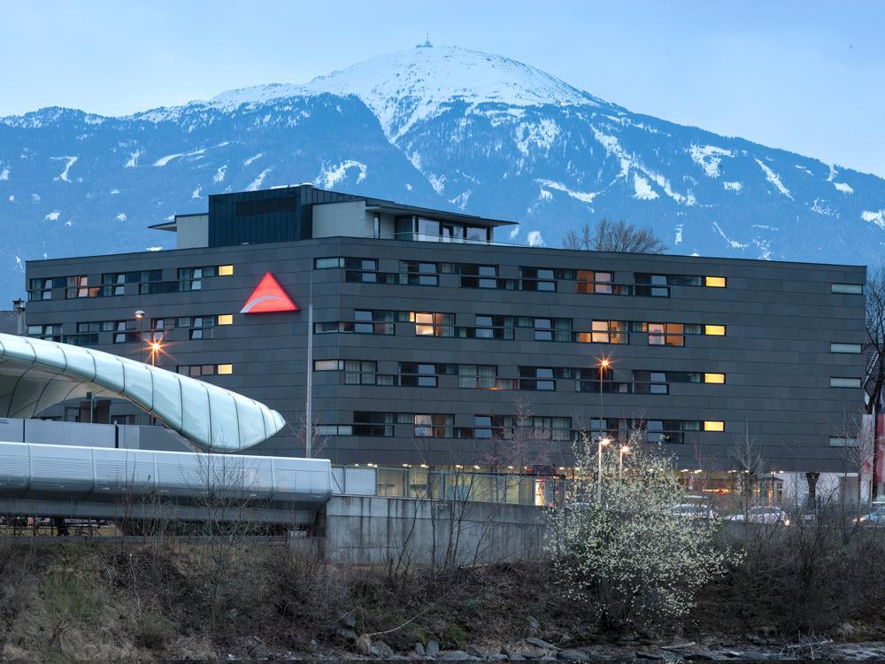 Austria-Trend-Hotel-InnsbruckAussenansichtSeminareinTirol--Austria-Trend-Hotels