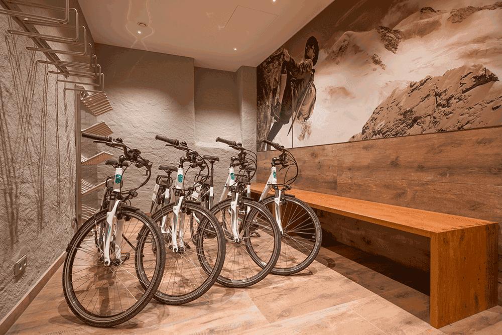 HotelAndreasHoferSki-FahrradraumSeminareinTirol