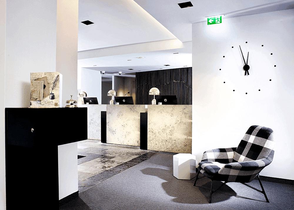 HotelinnsbruckMICELocationBoutiqueConventionReception-Rezeption-Hotel-Innsbruck-Innsbruck-Tirol-AustriaSeminareinTirol0