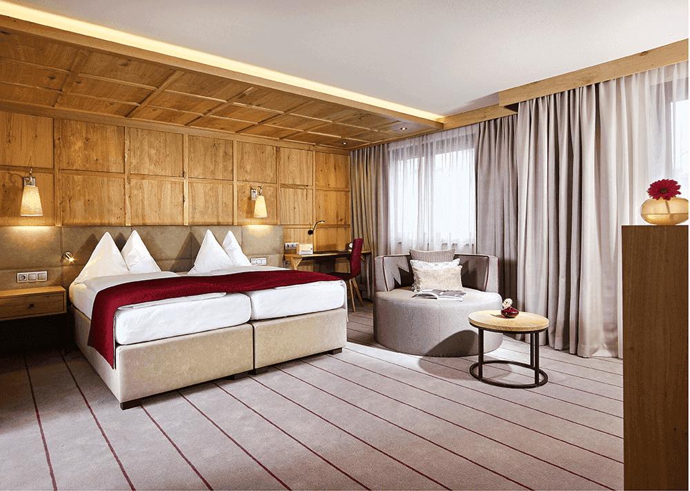 HotelinnsbruckMICELocationBoutiqueConventionSuperior-Nordkette-Ansicht-Hauptbild-Hotel-InnsbruckSeminareinTirol0