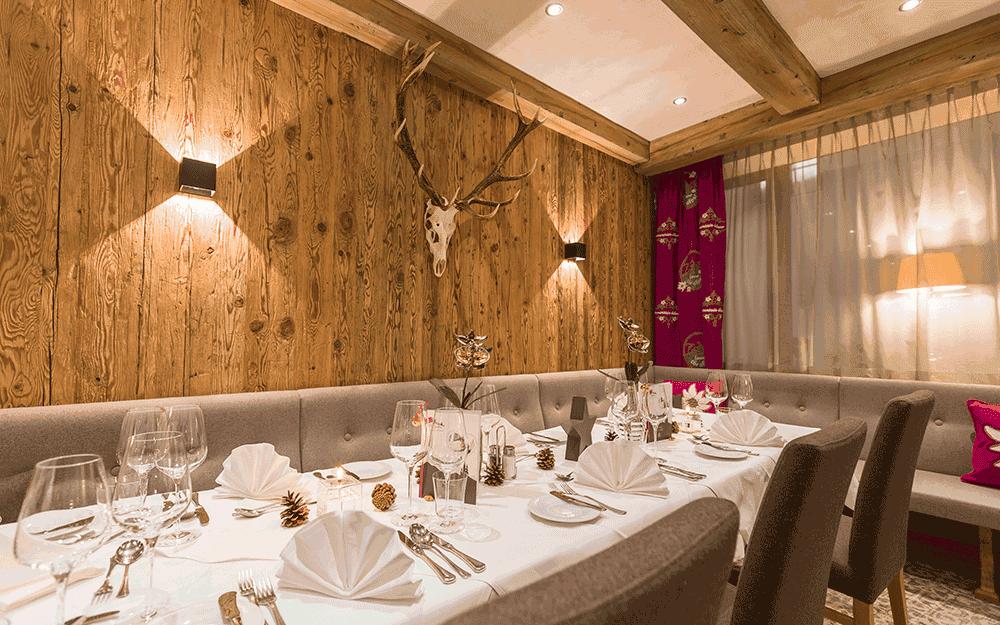 Genießen Sie kulinarische Gaumenfreuden im Restaurant im Alpenhotel ... fall in Love © Alpenhotel ... fall in Love