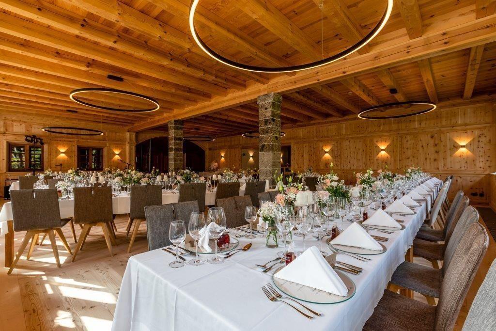 Glaserhof-Innenaufnahme-Fotografin-Aschenputtel-Maerchenhafte-HochzeitsfotosMG9051SeminareinTirol