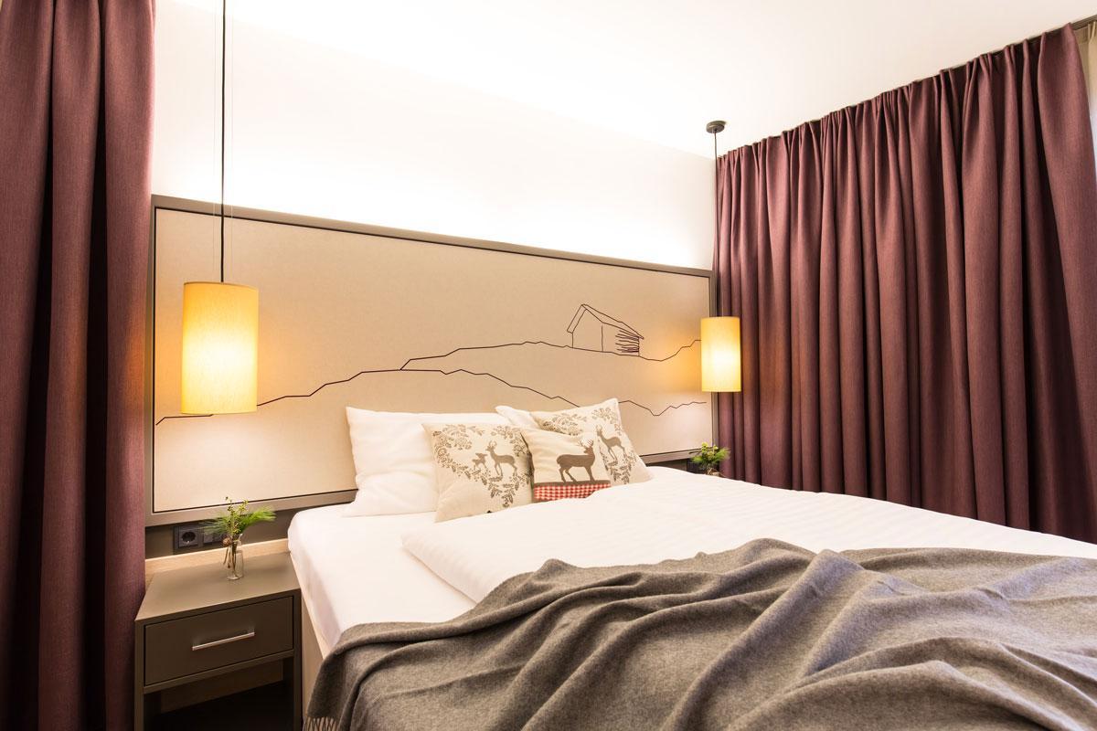 Hotel-und-Wirtshaus-PostEin-Doppelzimmer-in-gemuetlichem-AmbienteSeminareinTirol--Hotel--Wirtshaus-Post