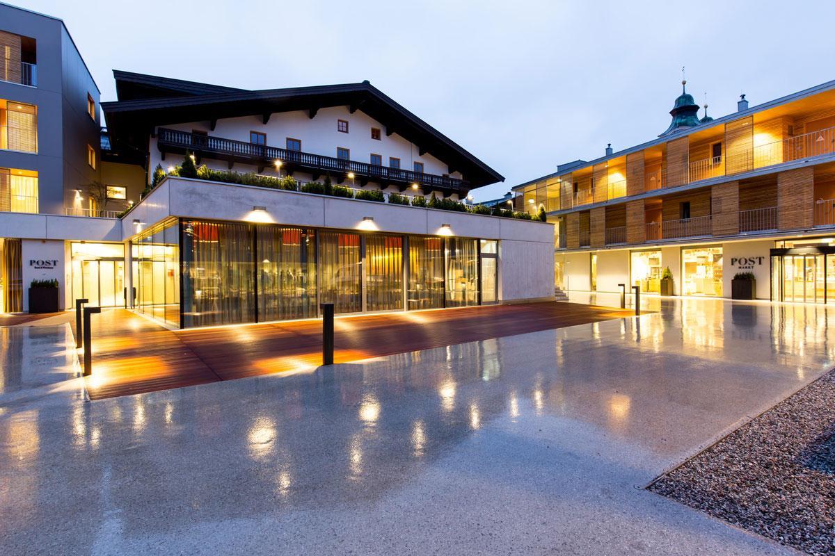 Hotel-und-Wirtshaus-PostLobby-des-HotelsSeminareinTirol--Hotel--Wirtshaus-Post1