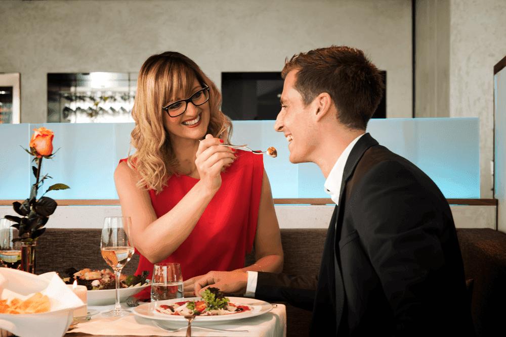 Parkhotel-HallGemeinsame-Zeit-im-Restaurant-geniessenSeminareinTirol-Parkhotel-Hall--Restaurant-Welzenbacher
